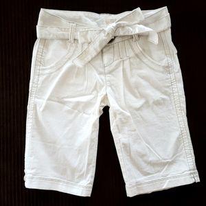 ❣movingSALE❣⭐NEW⭐ DKNY - White Bermuda Shorts